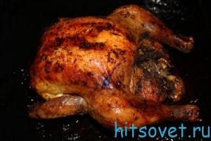 запекать курицу
