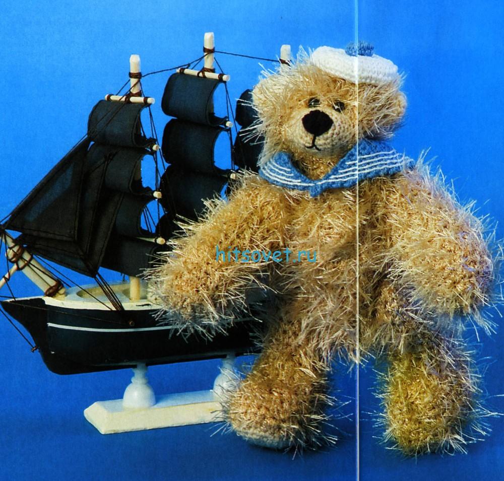 Вязаный мишка моряк