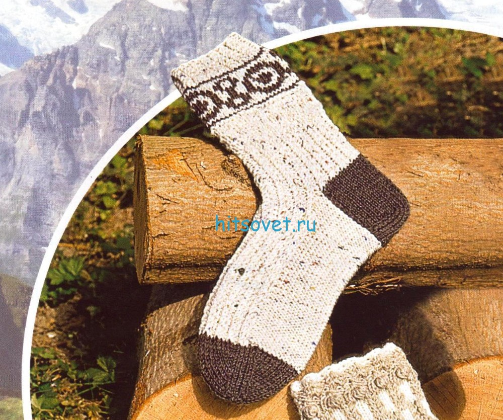 Вязаные носки в деревенском стиле