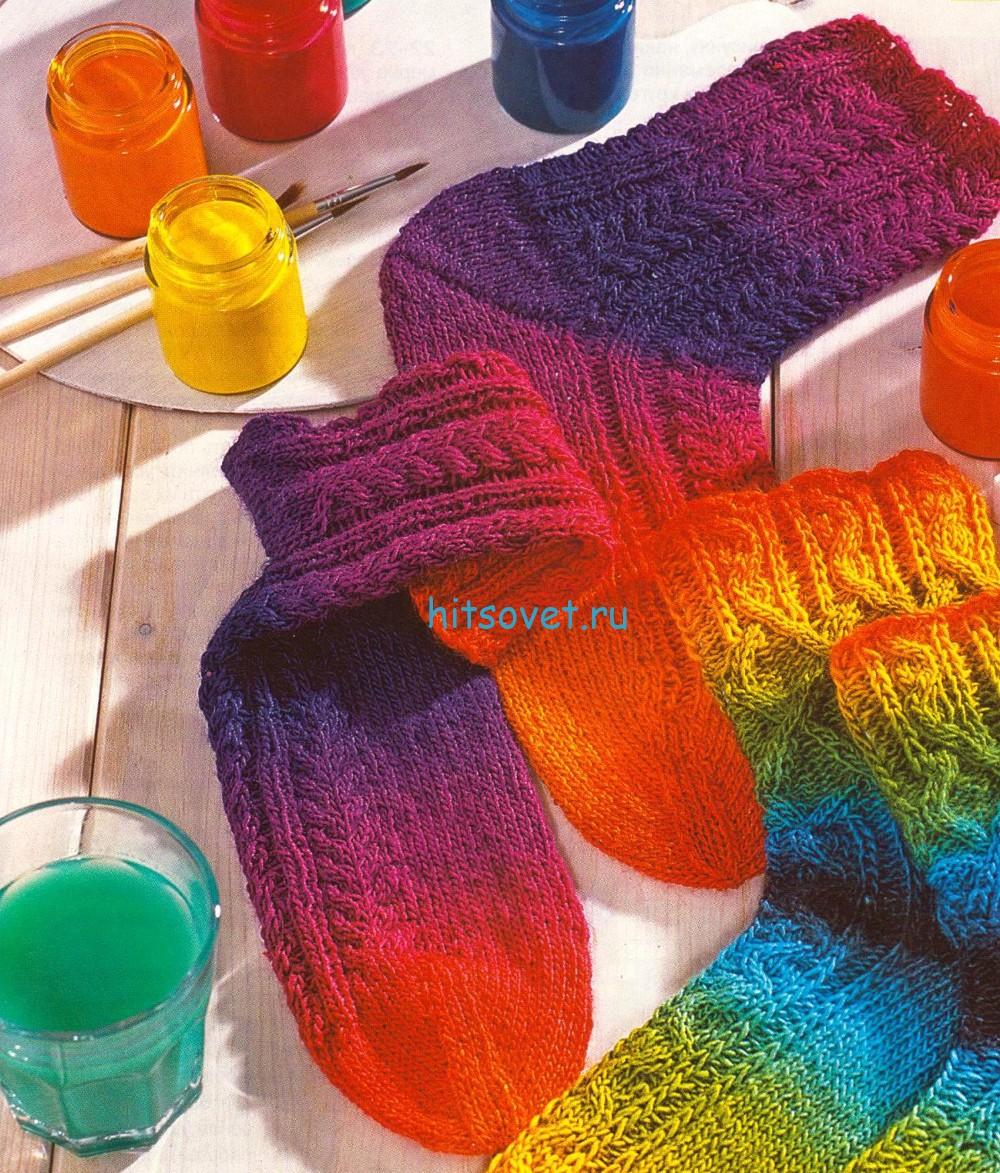 Вязание носков с узором из кос