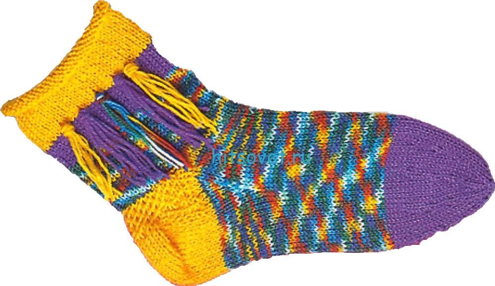 Вязаные носки с бахромой