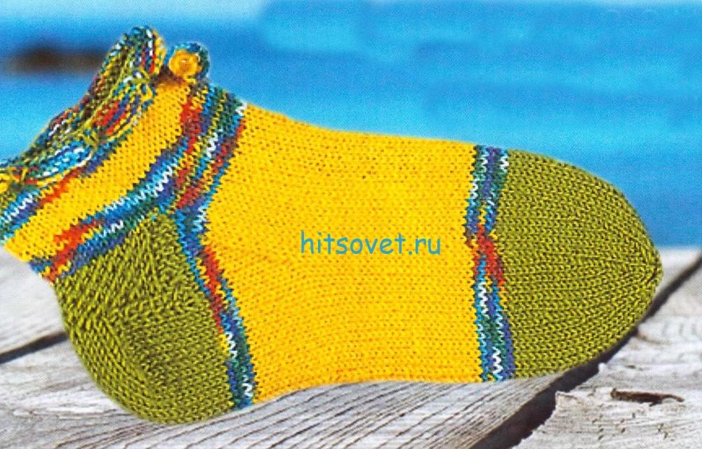Вязаные носки с волнистым краем