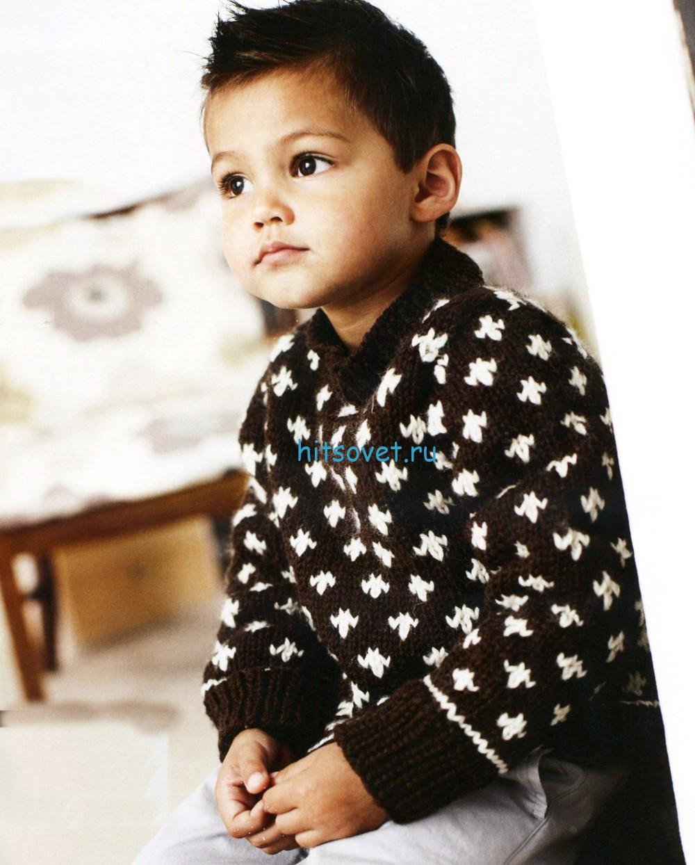 Вязаный для мальчика пуловер