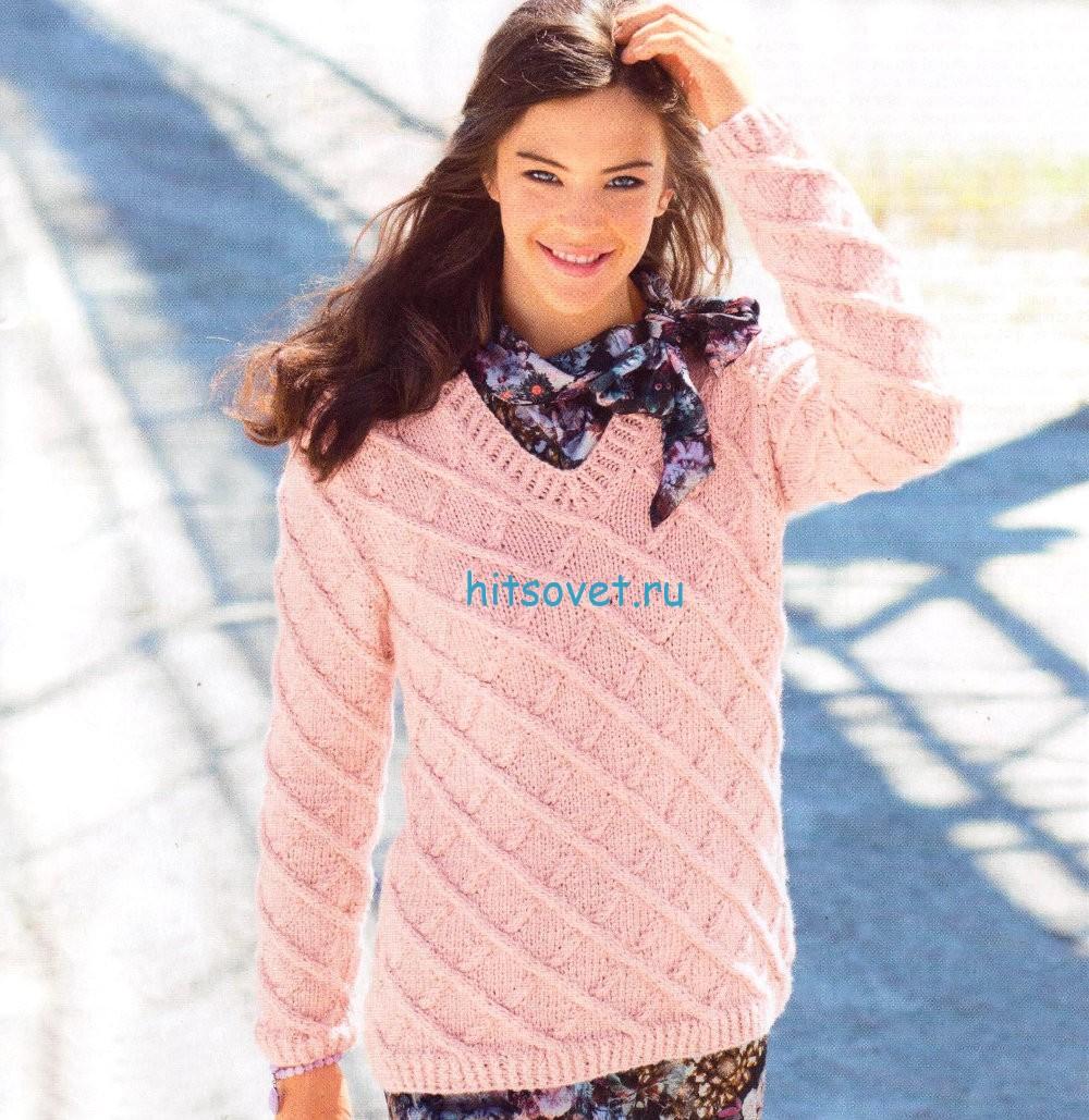 Вязаный пуловер с ромбами из кос