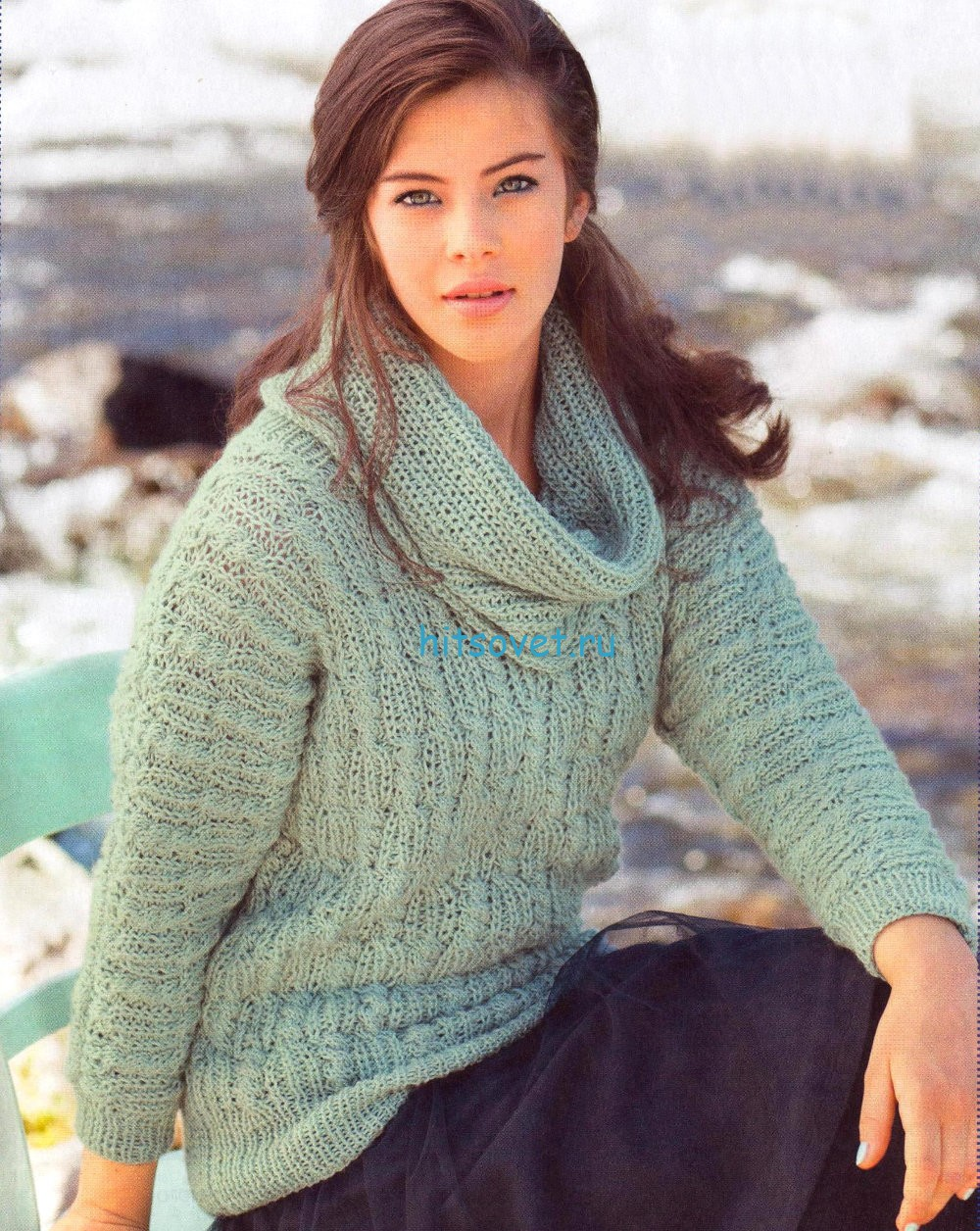 Вязаный пуловер с воротником хомут цвета мяты