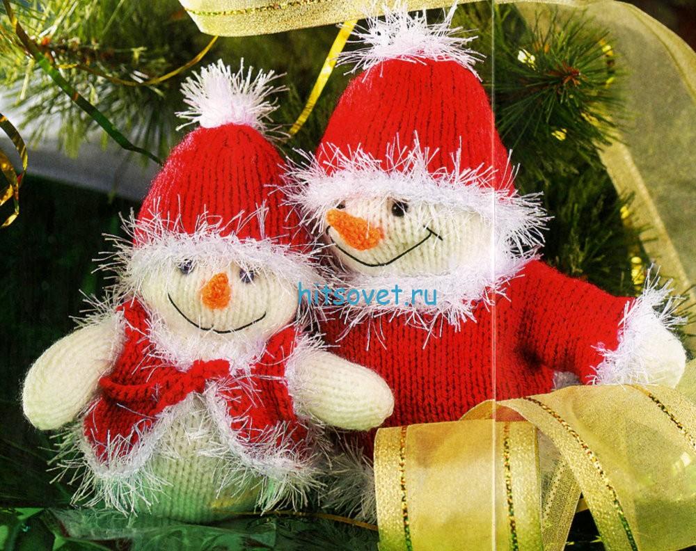 Новогодние вязаные снеговики