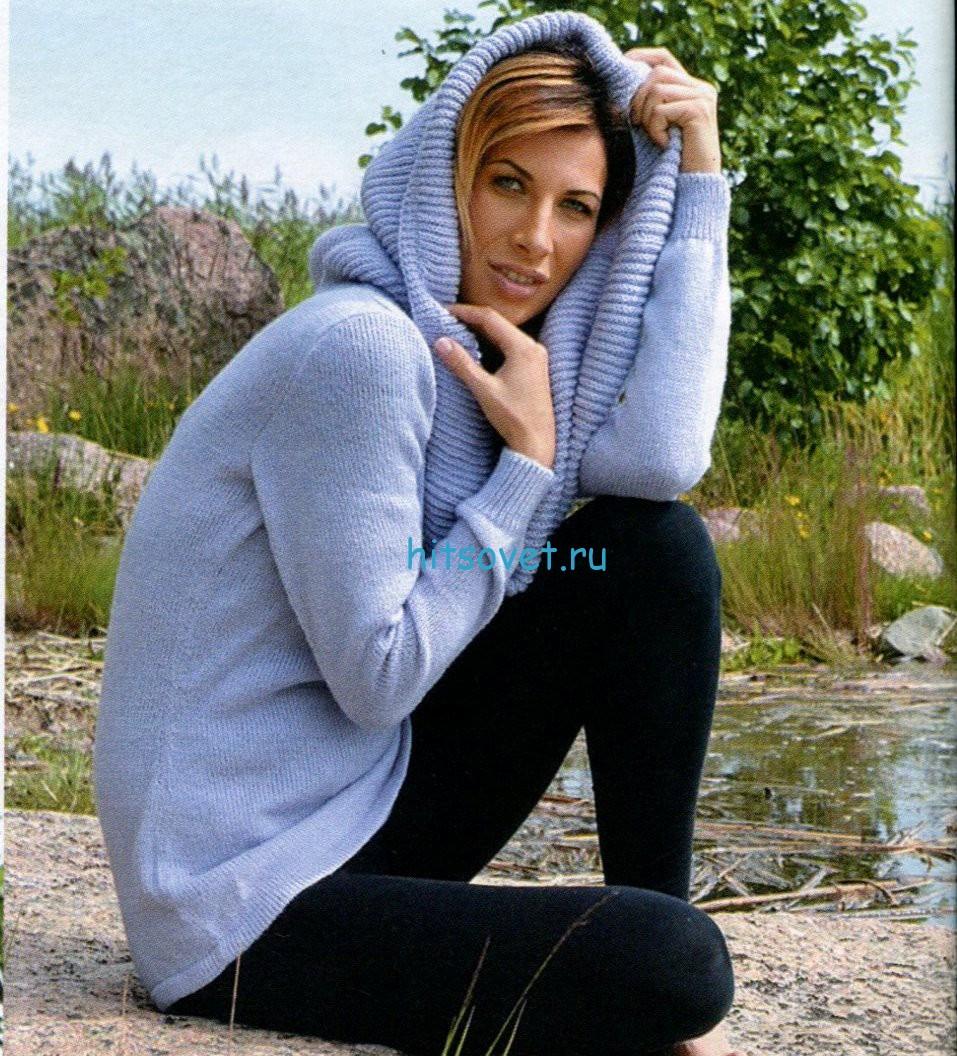 Вязаный спицами пуловер с воротником хомут