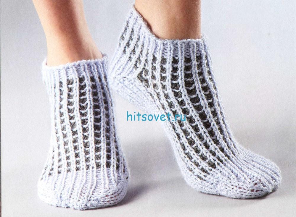 Двухцветные вязаные носки