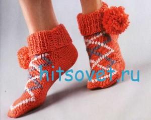 Вязание носков с помпонами