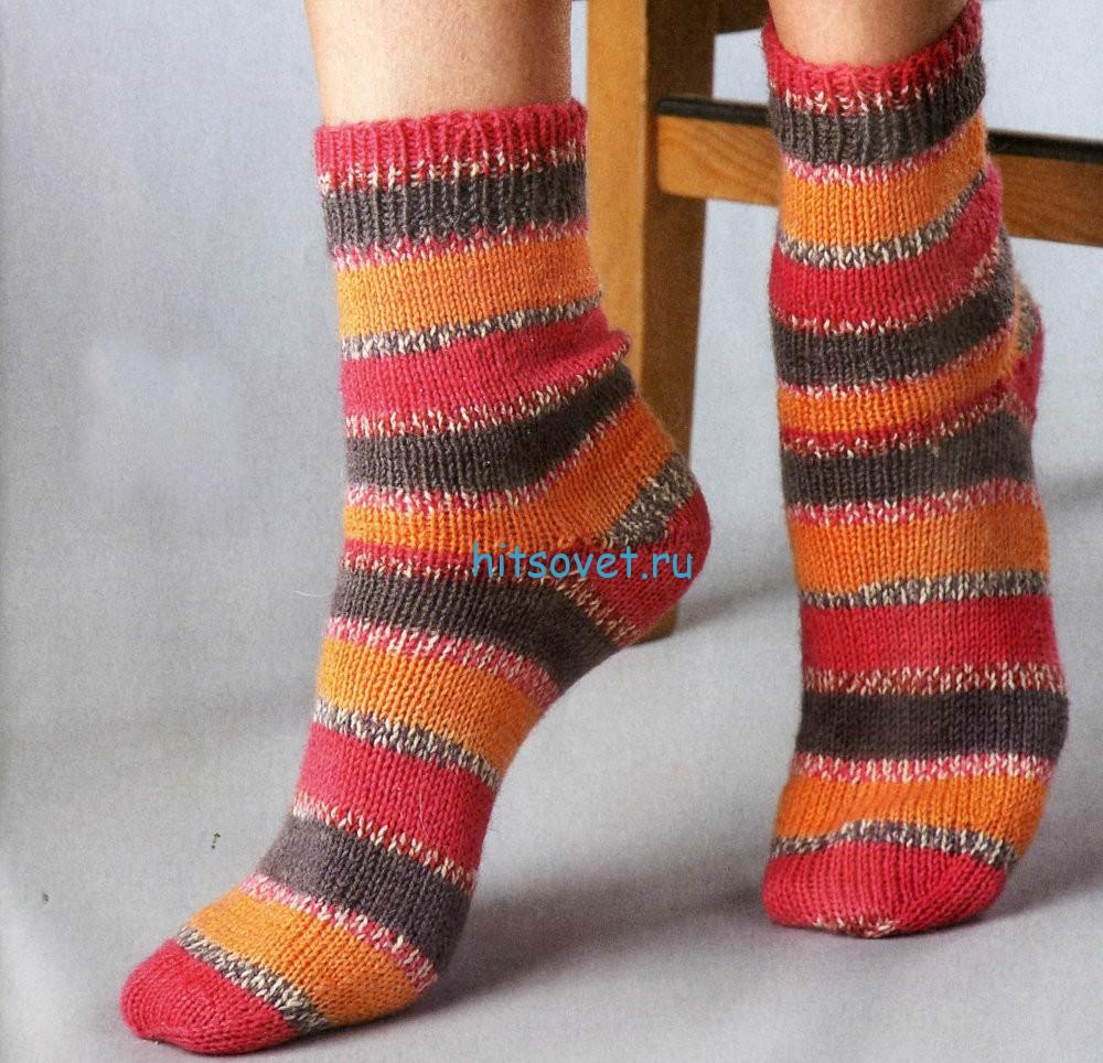 Вязание носков в разноцветную полоску