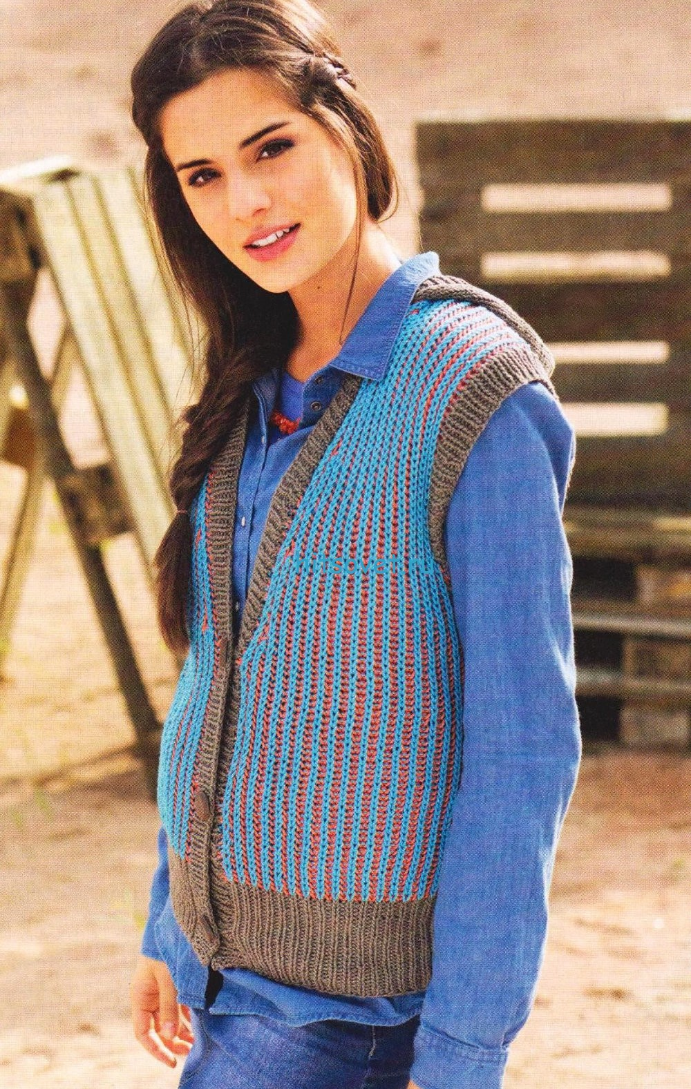 Вязание жилета с капюшоном