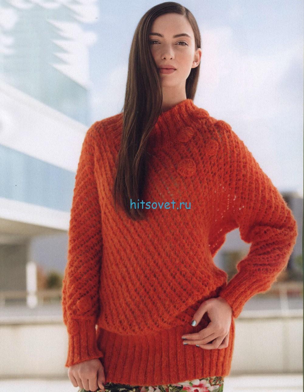 Полупрозрачный свободный пуловер спицами