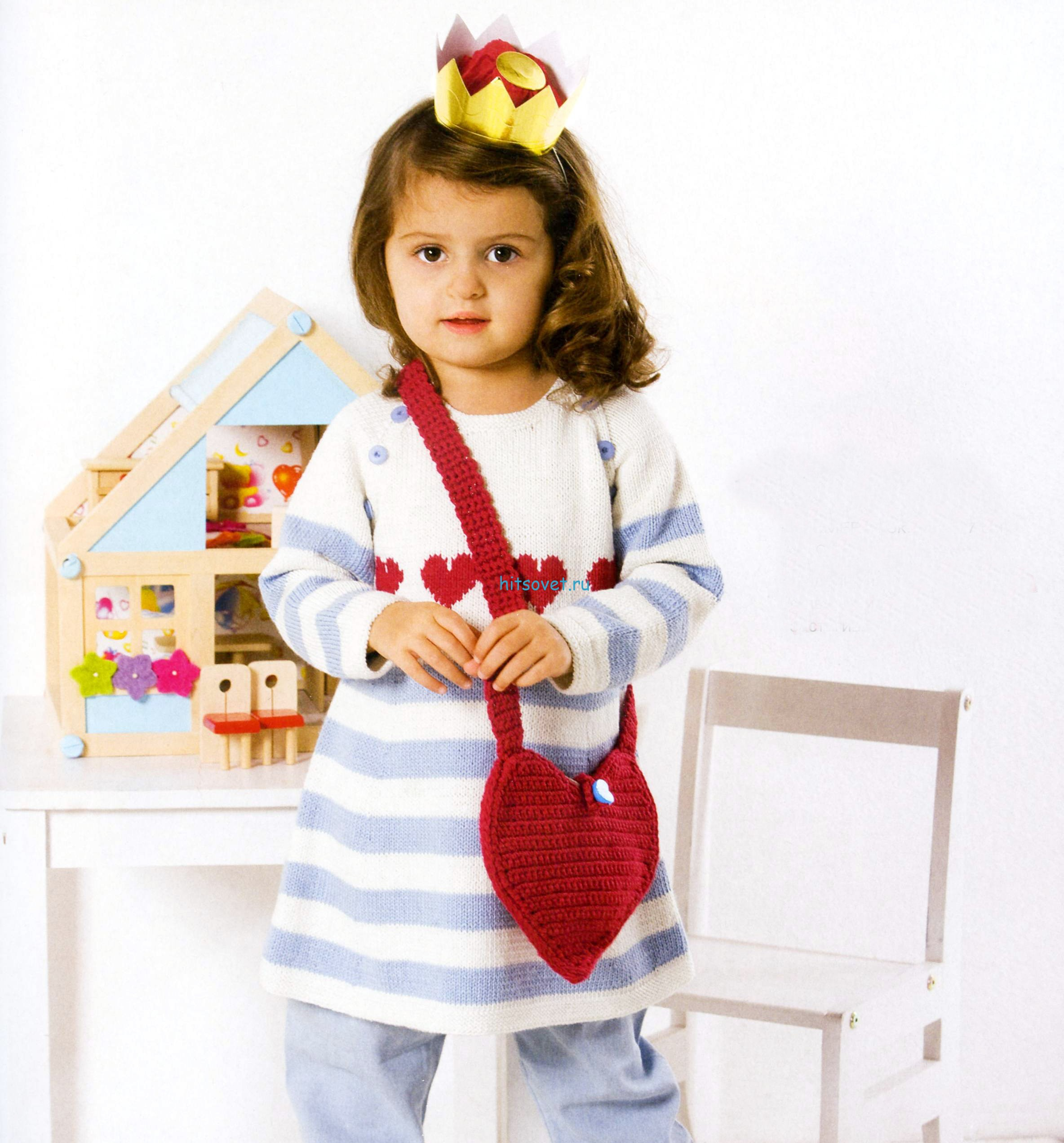 Вязаное платье и сумочка для девочки