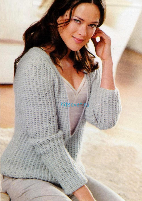 Вязание спицами пуловера с глубоким вырезом