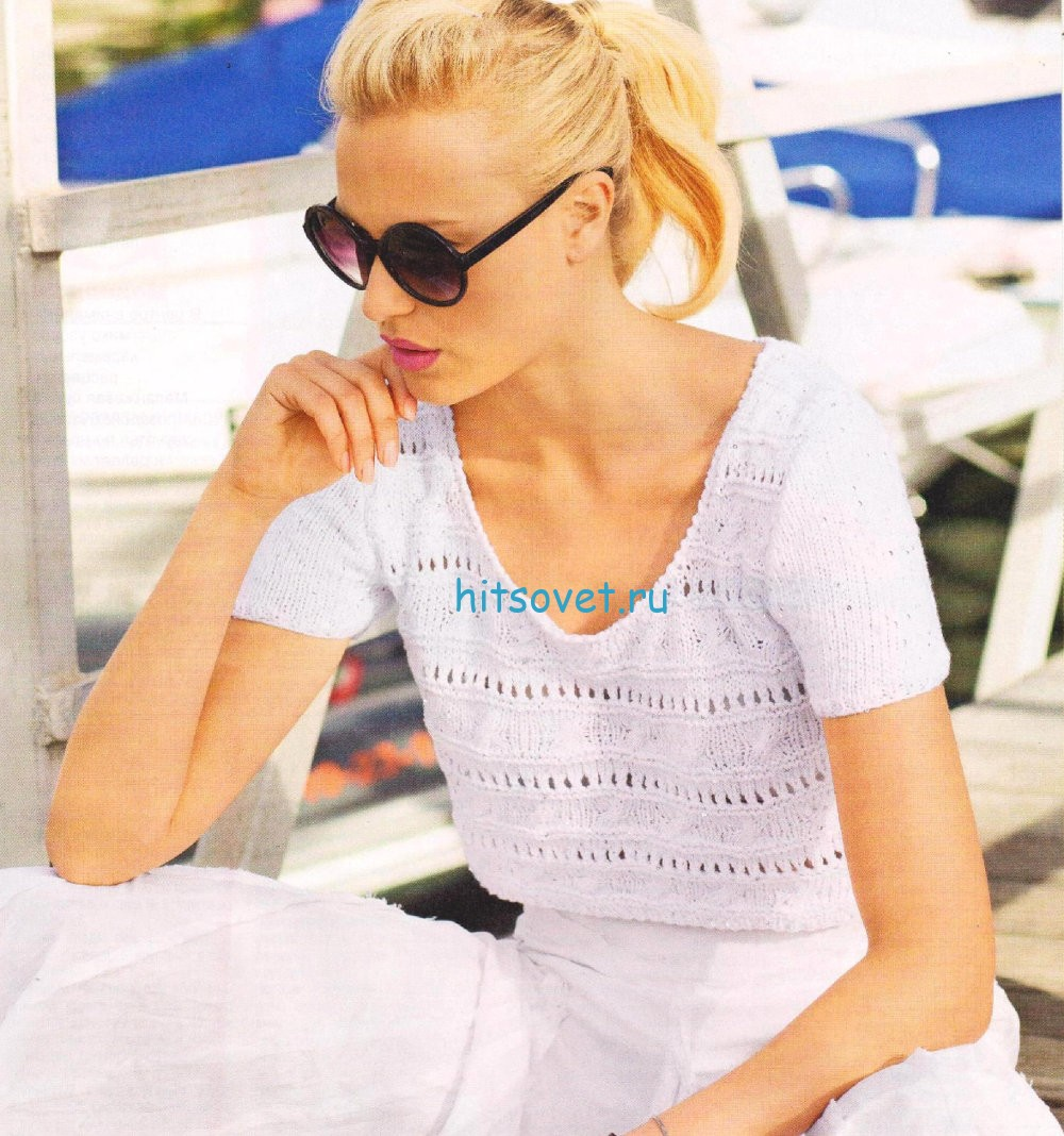 Короткий белый пуловер