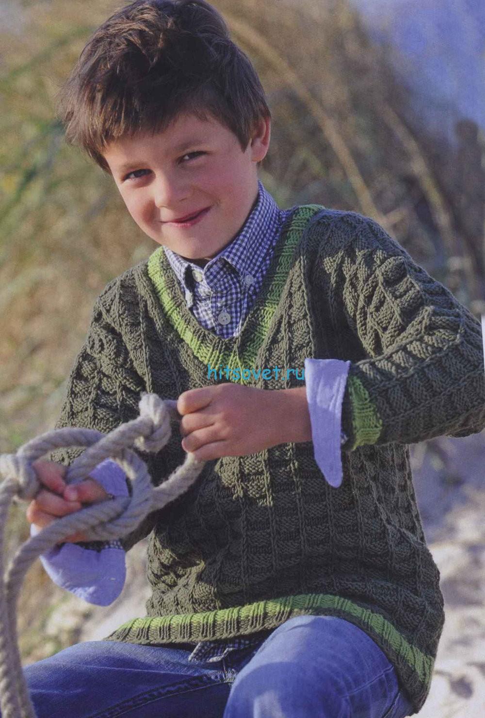 Пуловер для мальчика с рельефным узором