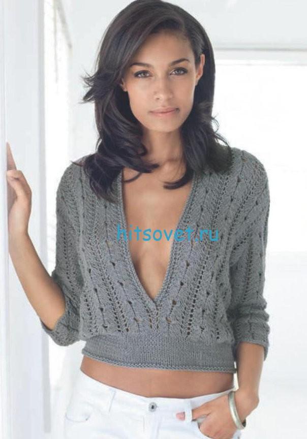 Короткий пуловер с глубоким декольте