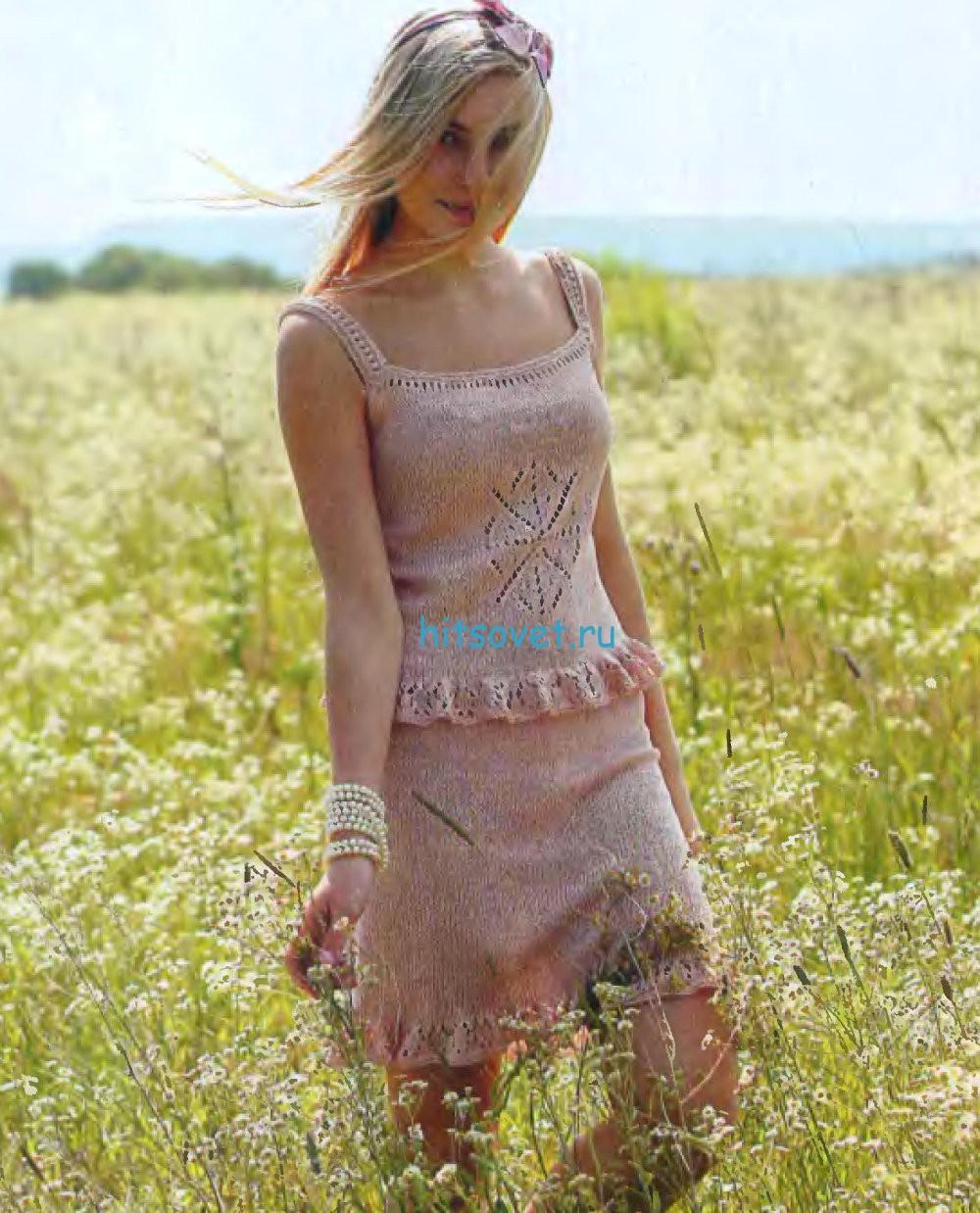 Вязаный костюм из топа и юбки