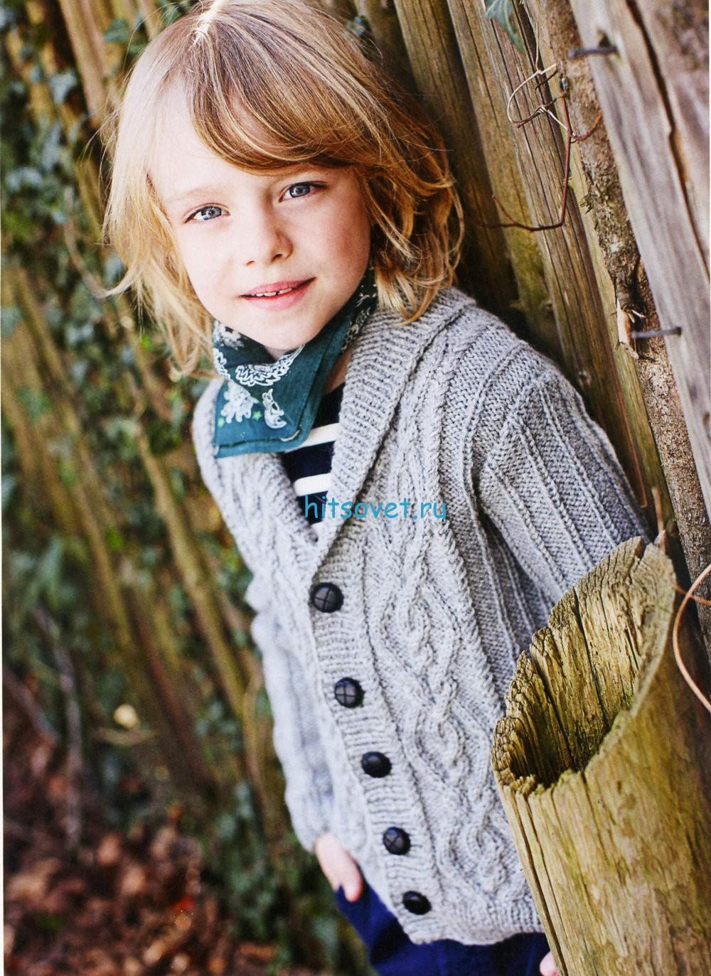Вязание для мальчика жакета с косами
