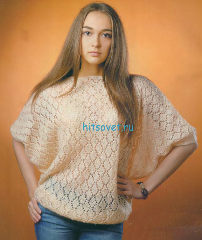 Свободный женский пуловер с ажурным узором