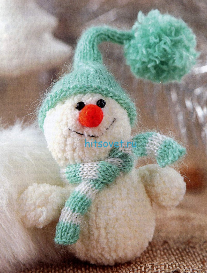 Снеговик вязаный крючком