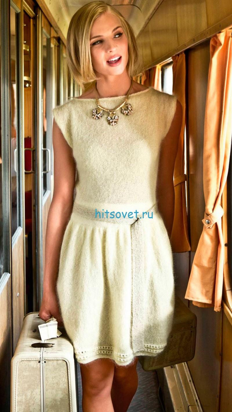 Вязаное модное платье спицами