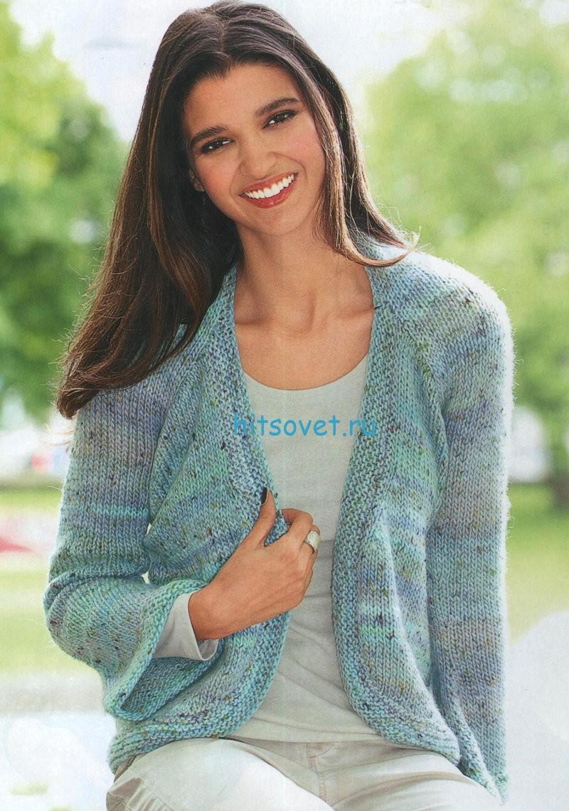 Вязаный женский свитер спицами косами со схемой 145
