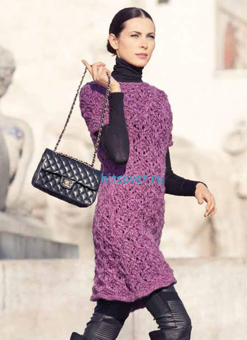 Вязаное платье красивым узором