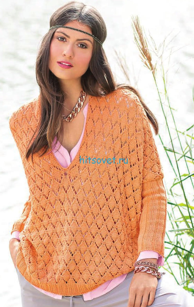 Свободный пуловер с ажурными ромбами, фото.