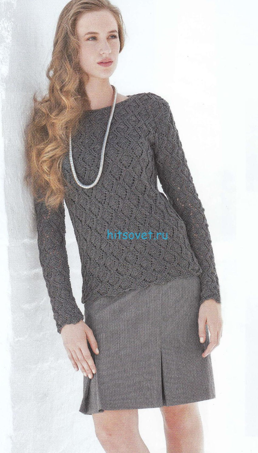 Ажурный пуловер с красивым узором