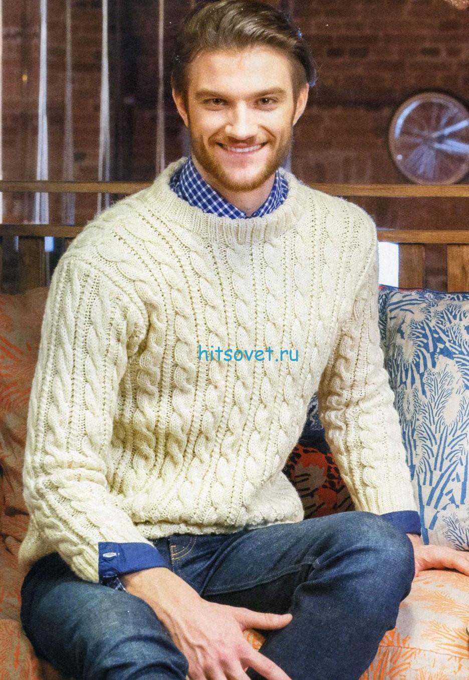 Мужской пуловер спицами с узором из кос