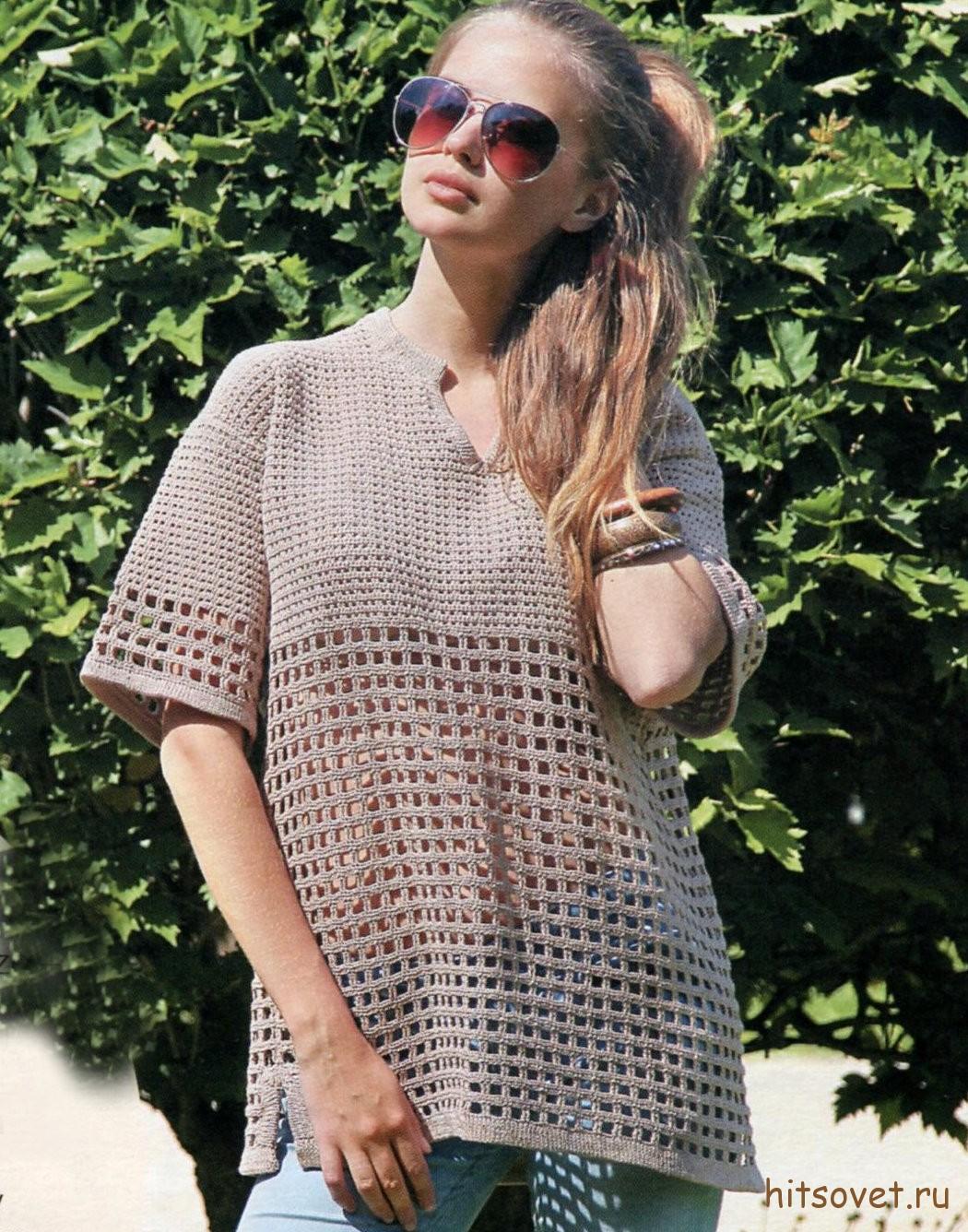 Бежевый ажурный пуловер крючком