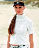 Белый свитер женский