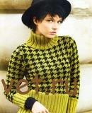 Двухцветный пуловер с узором «Гусиная лапка»