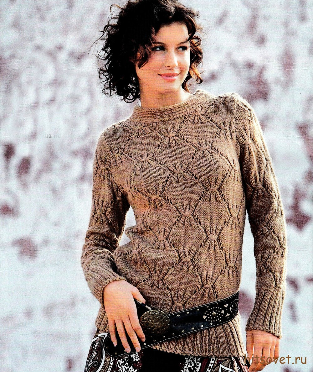 Вязаный пуловер с узором рубчик, фото.