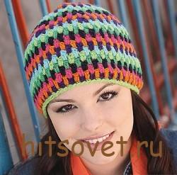 Разноцветная шапка крючком