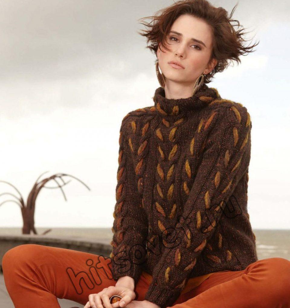 Пуловер с двухцветной косой