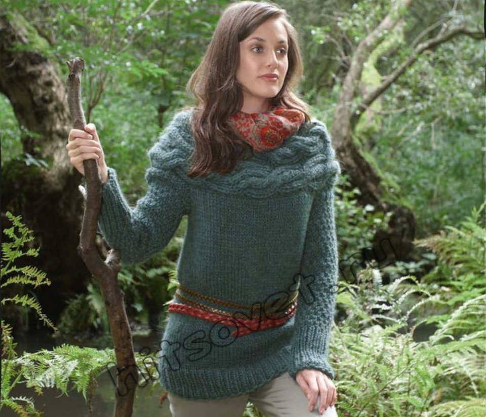Пуловер с кокеткой из кос, фото.
