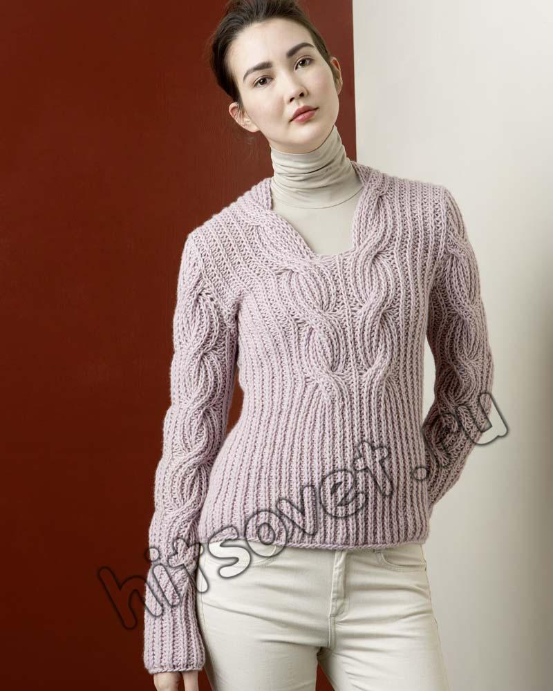 Пуловер с красивым узором из кос