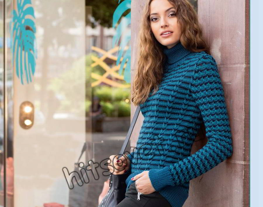 Модный свитер для девушки