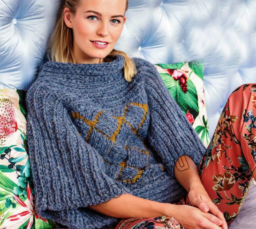 Джемпер плетеным узором, фото.