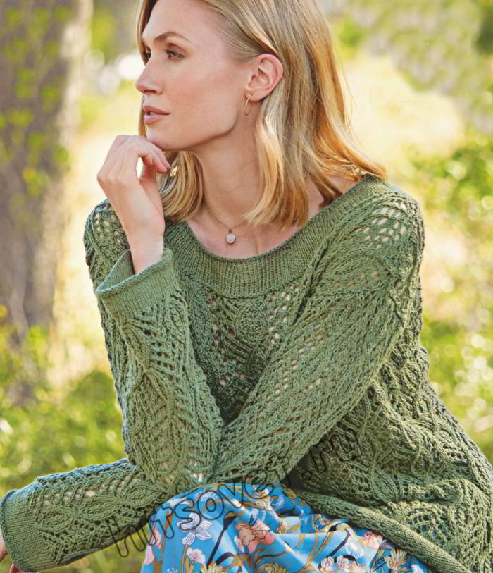 Летний ажурный джемпер темно-зеленого цвета