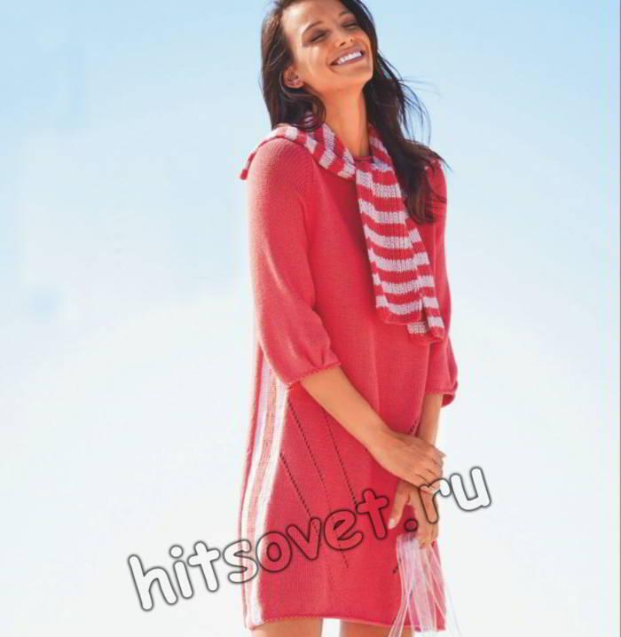 Стильное вязаное платье с воротником-шарфом, фото.