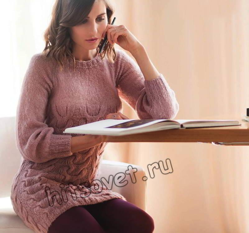 Розовое короткое платье с косами, фото.