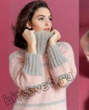 Двухцветный пуловер с вырезами на локтях