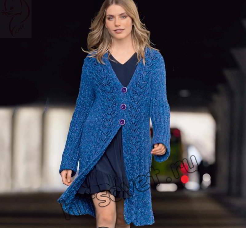 Вязаное пальто с ажурными бордюрами, фото.