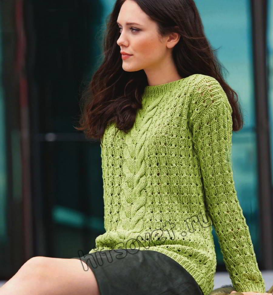 Ажурный пуловер с горловиной лодочкой и косами