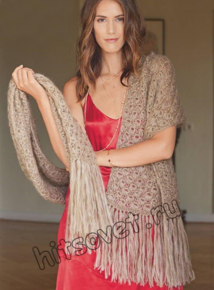 Широкий шарф с длинной бахромой