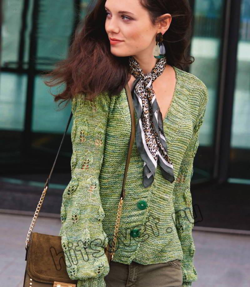 Вязаный жакет с ажурными листьями на рукавах, фото.