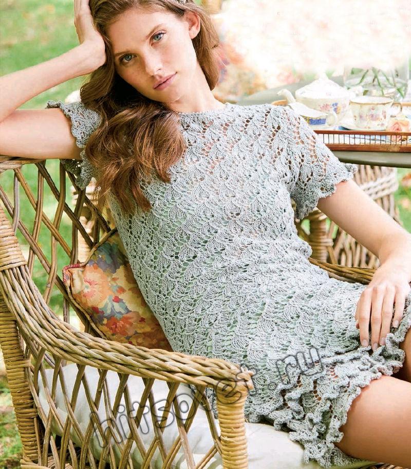 Мини-платье вязаное спицами с описанием, фото.